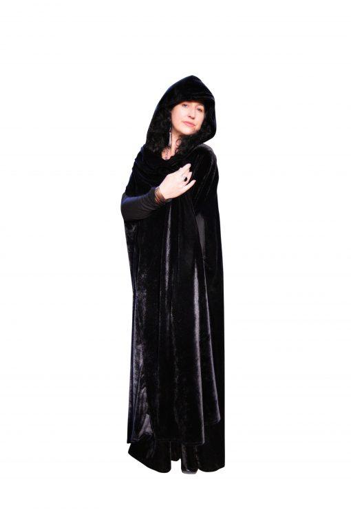 black hooded cloak pockets