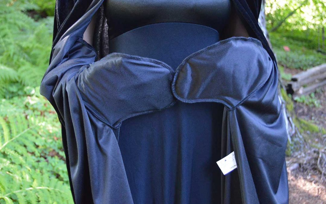 Medieval Capes with Pockets & A Brief History of Pockets