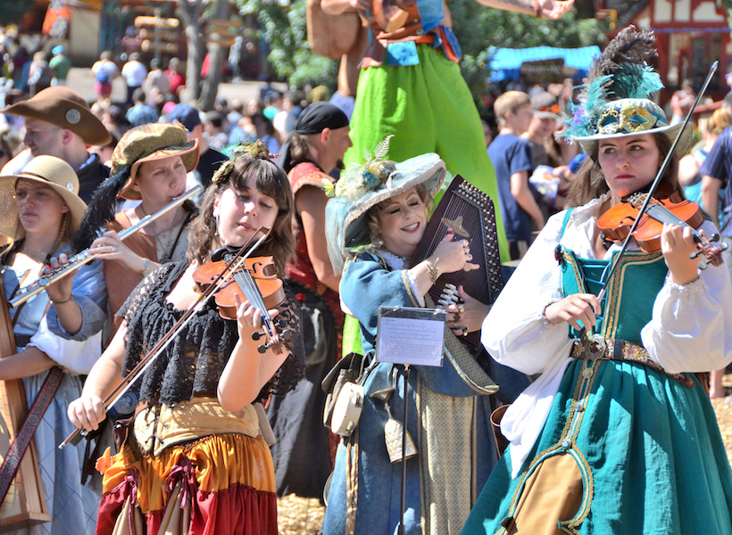 Do's and Don'ts for Your First Renaissance Fair Costume